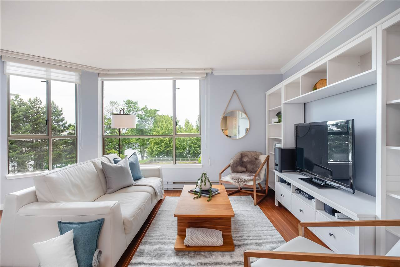 """Main Photo: 413 1707 W 7TH Avenue in Vancouver: Fairview VW Condo for sale in """"SANTE FE"""" (Vancouver West)  : MLS®# R2386863"""