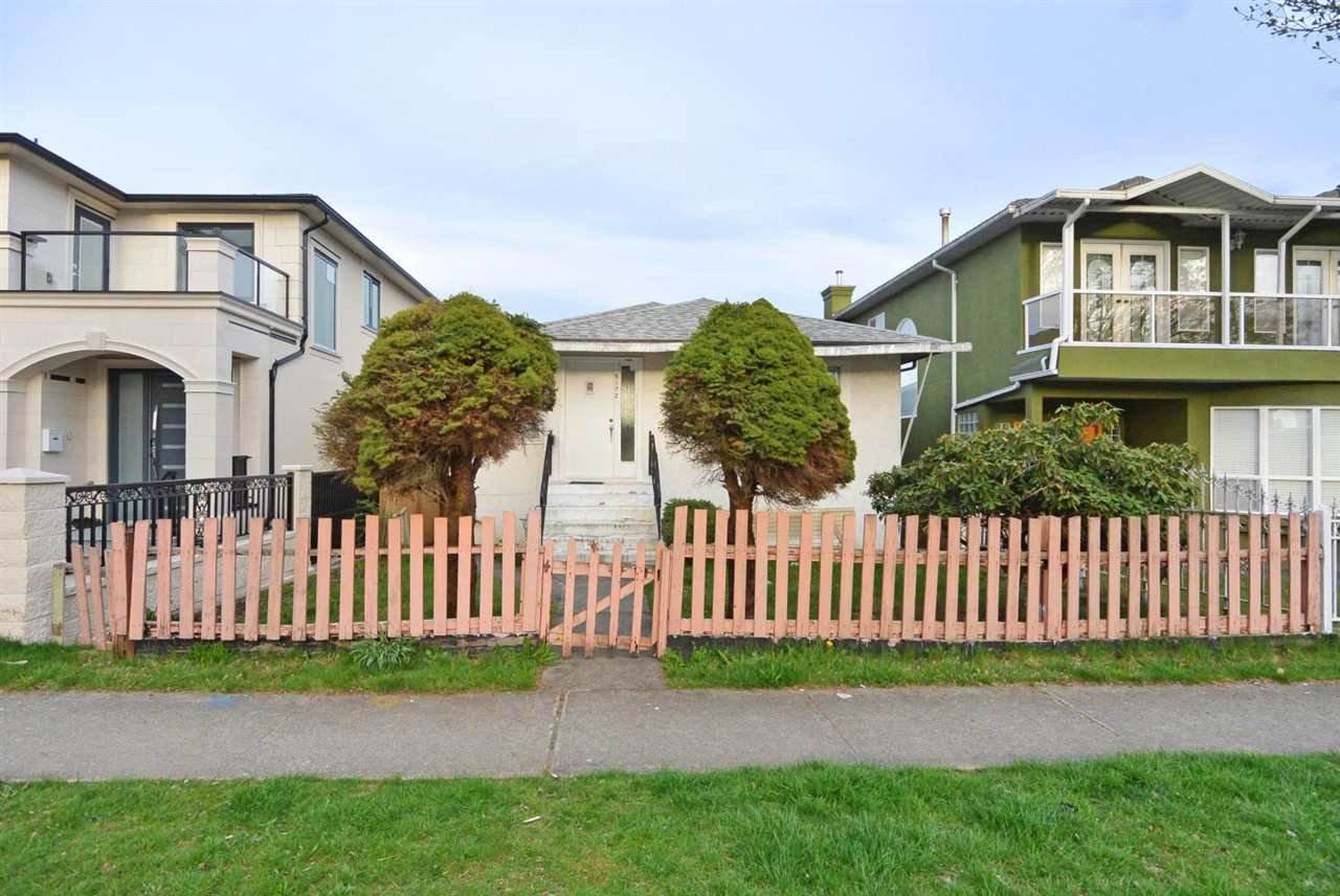 Main Photo: 6172 PRINCE ALBERT Street in Vancouver: Fraser VE House for sale (Vancouver East)  : MLS®# R2422907