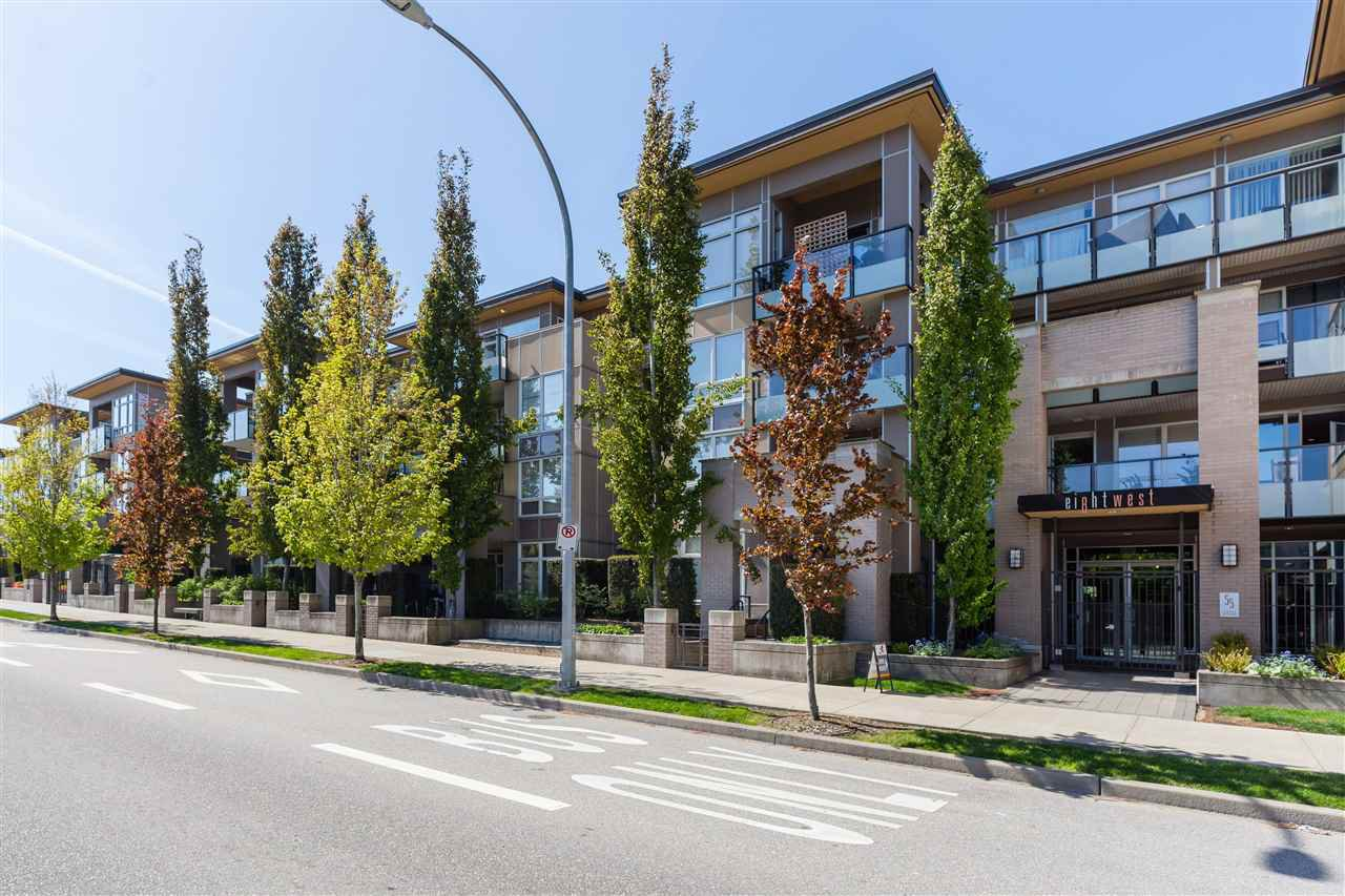 "Main Photo: 215 55 EIGHTH Avenue in New Westminster: GlenBrooke North Condo for sale in ""EIGHTWEST"" : MLS®# R2457550"