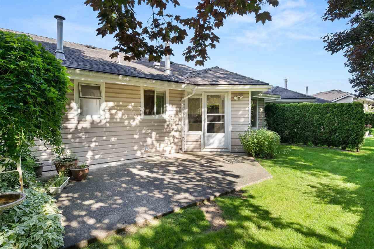 "Main Photo: 36 1190 FALCON Drive in Coquitlam: Eagle Ridge CQ Townhouse for sale in ""Falcon Terrace"" : MLS®# R2473694"