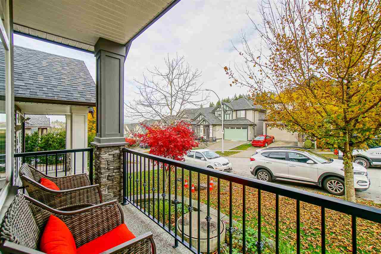 Photo 3: Photos: 6067 145A Street in Surrey: Sullivan Station House for sale : MLS®# R2515224