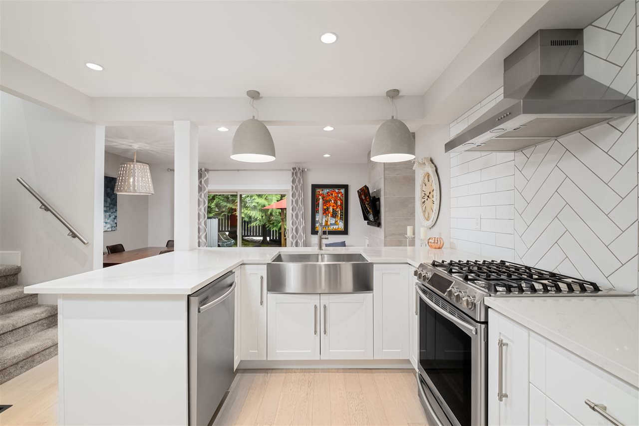 """Main Photo: 101 BROOKSIDE Drive in Port Moody: Port Moody Centre Townhouse for sale in """"BROOKSIDE ESTATES"""" : MLS®# R2523254"""