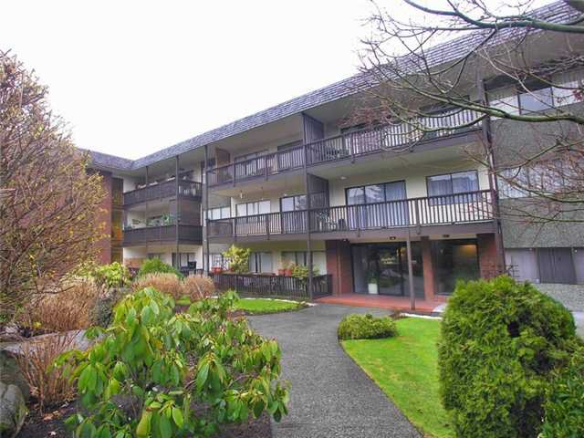 "Main Photo: 302 155 E 5TH Street in North Vancouver: Lower Lonsdale Condo for sale in ""Winchester Estates Ltd."" : MLS®# V897920"