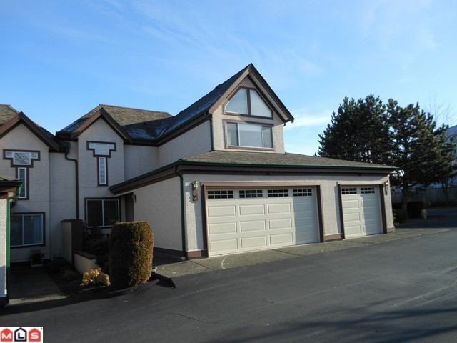 "Main Photo: 2 8567 164TH Street in Surrey: Fleetwood Tynehead Townhouse for sale in ""MONTA ROSA"" : MLS®# F1201188"
