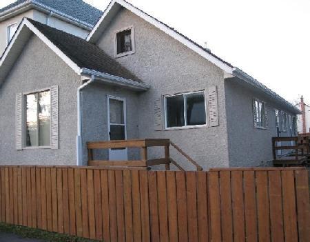Main Photo: 639 Manitoba Ave.: Condominium for sale (Canada)  : MLS®# 2820539