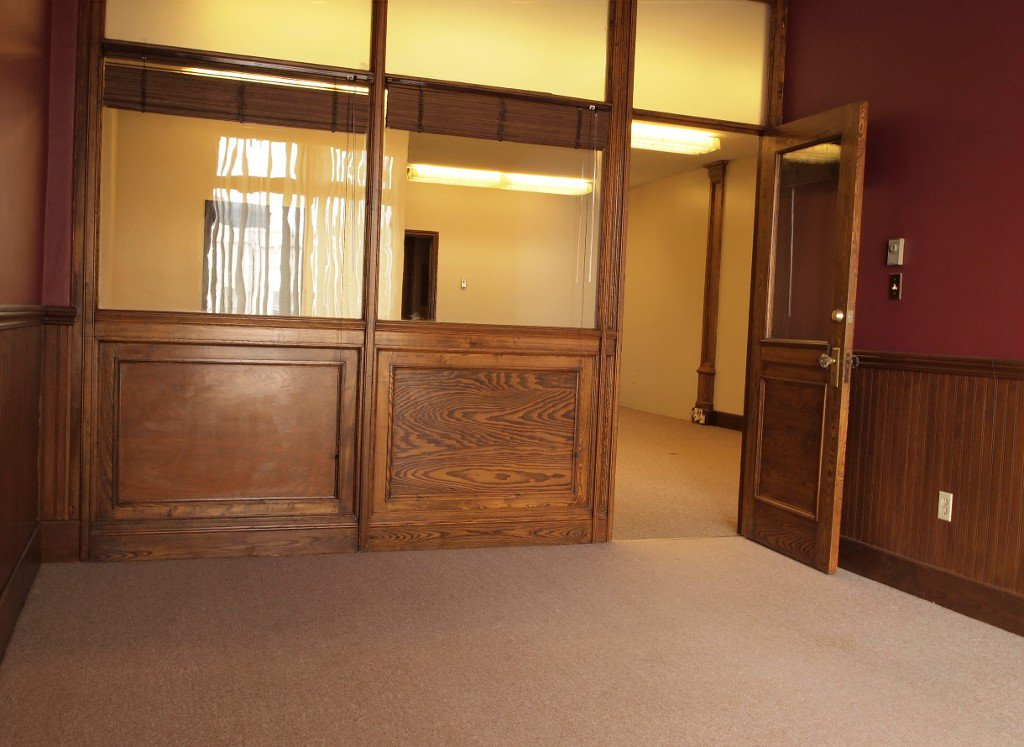Photo 16: Photos: 85 Kent Street: Lindsay Commercial for sale (Kawartha Lakes)  : MLS®# X2851794/1442237