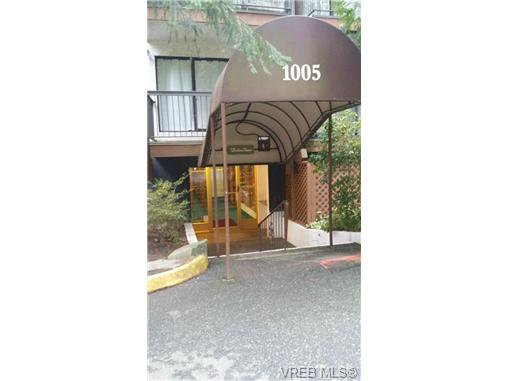 Main Photo: 201 1005 McKenzie Ave in VICTORIA: SE Quadra Condo for sale (Saanich East)  : MLS®# 689767