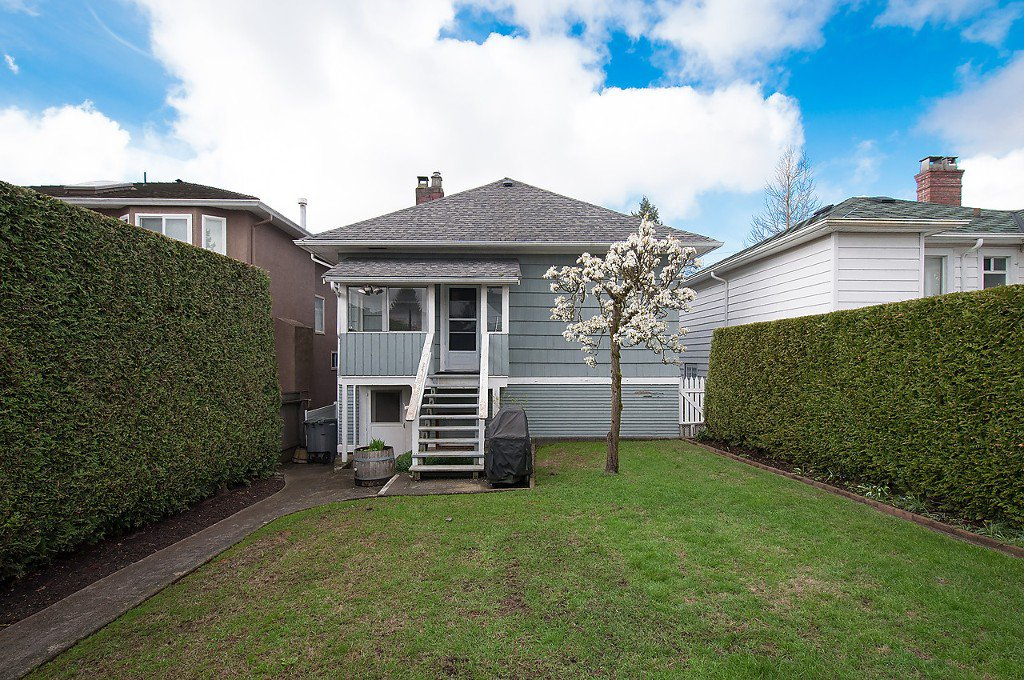 Photo 2: Photos: 8220 CARTIER Street in Vancouver: Marpole House for sale (Vancouver West)  : MLS®# V1113464