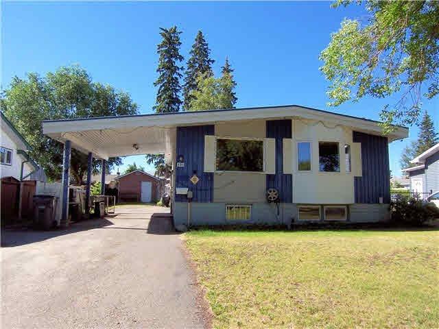 "Main Photo: 121 MCKENZIE Avenue in PRINCE GRG: Perry House for sale in ""candy cane lane/van bien"" (PG City West (Zone 71))  : MLS®# N246803"