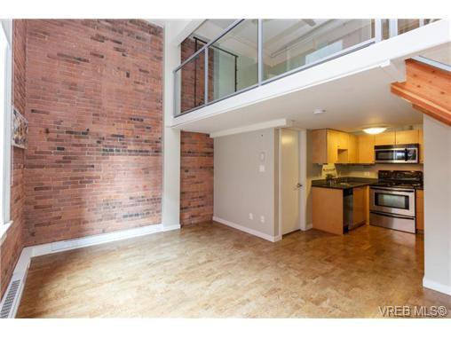 Main Photo: 207 524 Yates St in VICTORIA: Vi Downtown Condo for sale (Victoria)  : MLS®# 711722