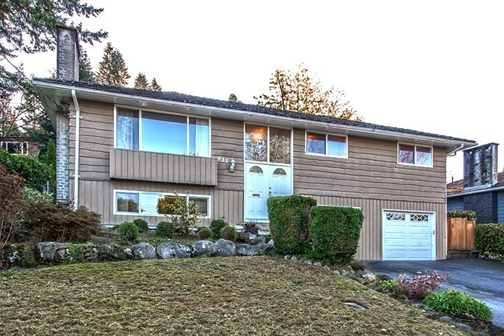 """Main Photo: 932 BAKER Drive in Coquitlam: Chineside House for sale in """"CHINESIDE"""" : MLS®# R2014307"""