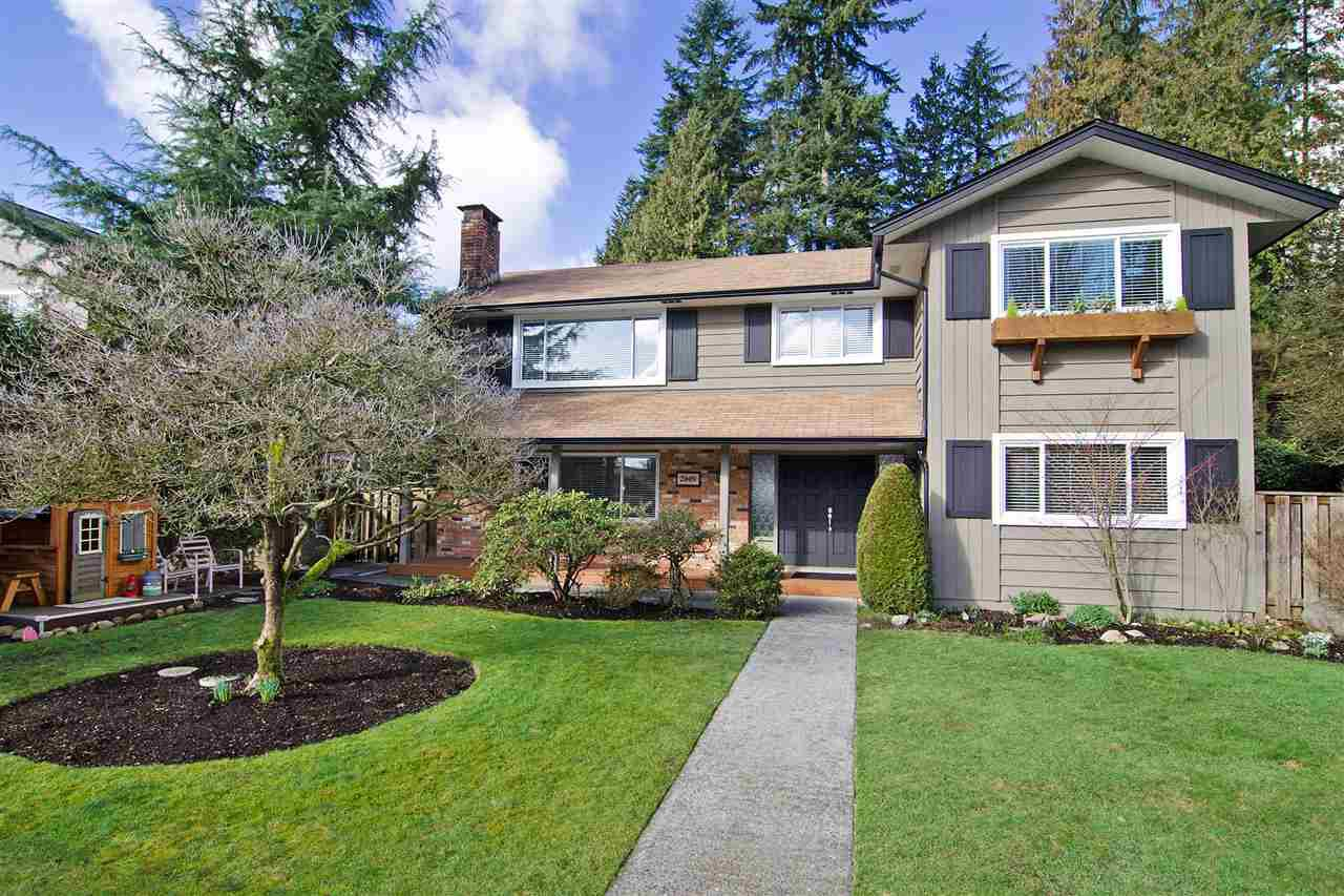 Main Photo: 2009 BOULEVARD Crescent in North Vancouver: Boulevard House for sale : MLS®# R2037419