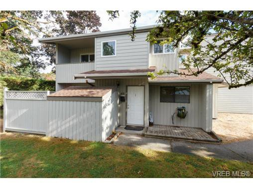 Main Photo: 44 2771 Spencer Rd in VICTORIA: La Langford Proper Row/Townhouse for sale (Langford)  : MLS®# 741790