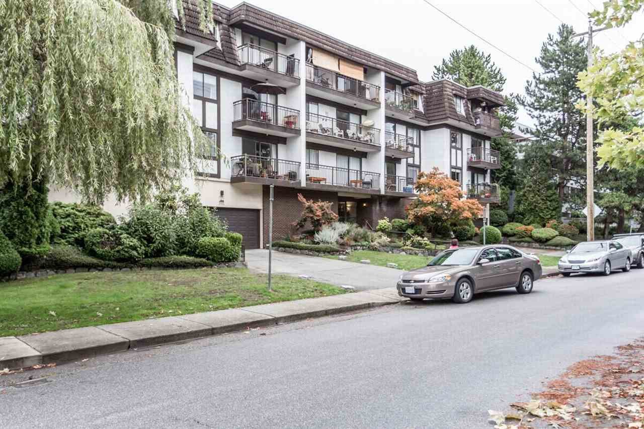 """Photo 11: Photos: 202 270 W 1ST Street in North Vancouver: Lower Lonsdale Condo for sale in """"DORSET MANOR"""" : MLS®# R2113600"""