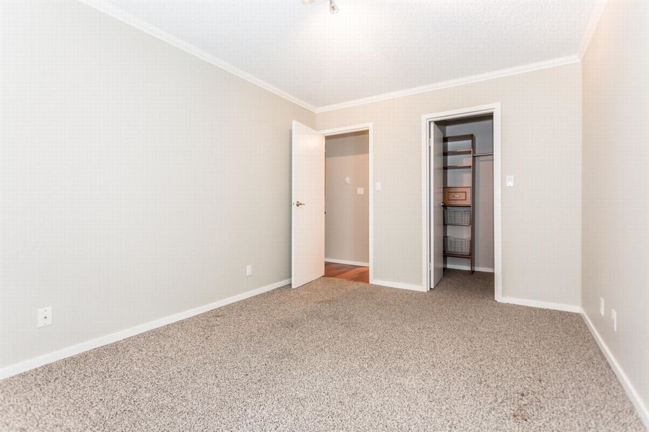 """Photo 7: Photos: 202 270 W 1ST Street in North Vancouver: Lower Lonsdale Condo for sale in """"DORSET MANOR"""" : MLS®# R2113600"""