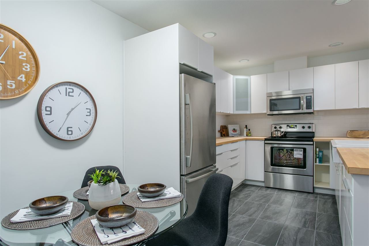 """Photo 9: Photos: 101 250 E 11TH Street in North Vancouver: Central Lonsdale Townhouse for sale in """"Easthill II"""" : MLS®# R2144633"""