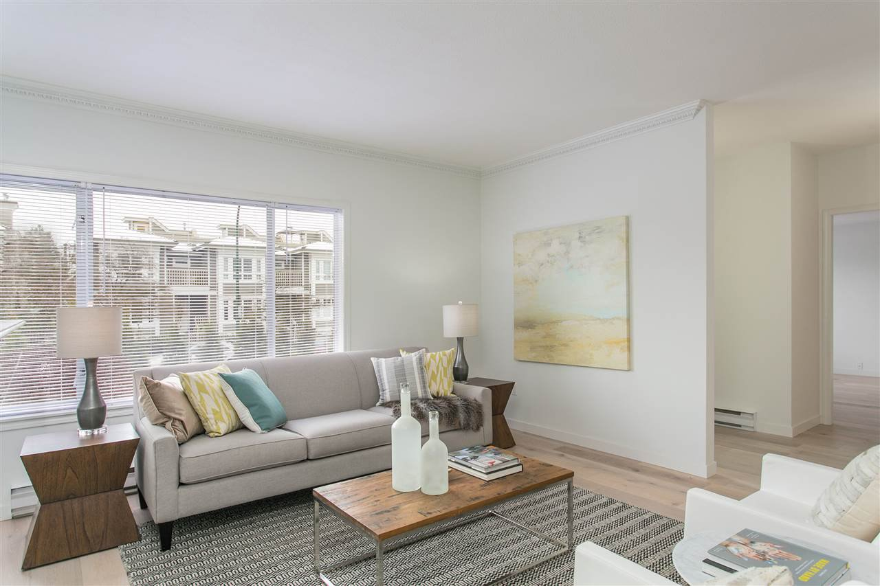 """Photo 3: Photos: 101 250 E 11TH Street in North Vancouver: Central Lonsdale Townhouse for sale in """"Easthill II"""" : MLS®# R2144633"""