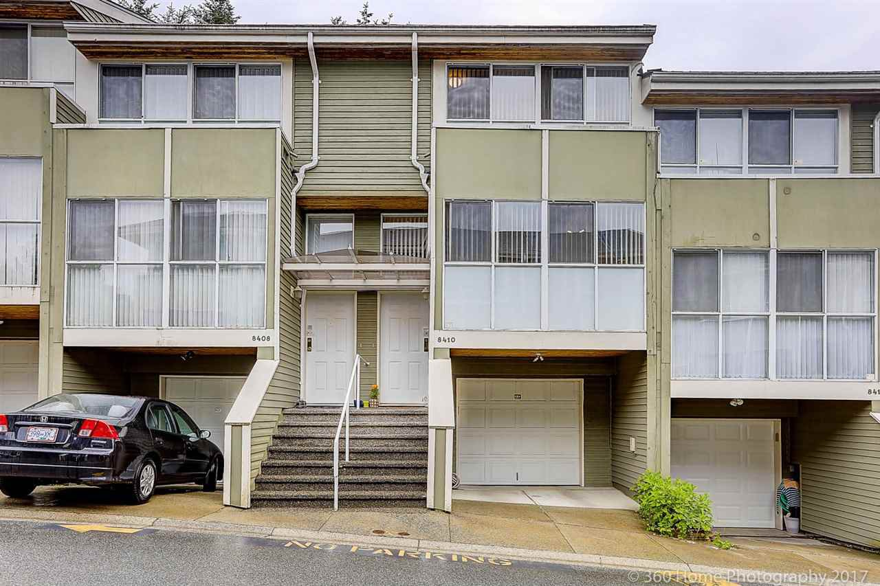 "Main Photo: 8410 CORNERSTONE Street in Vancouver: Champlain Heights Townhouse for sale in ""MARINE WOODS"" (Vancouver East)  : MLS®# R2178515"