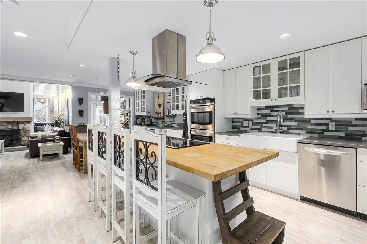 """Main Photo: 53 6880 LUCAS Road in Richmond: Woodwards Townhouse for sale in """"Timberwood Village"""" : MLS®# R2186958"""