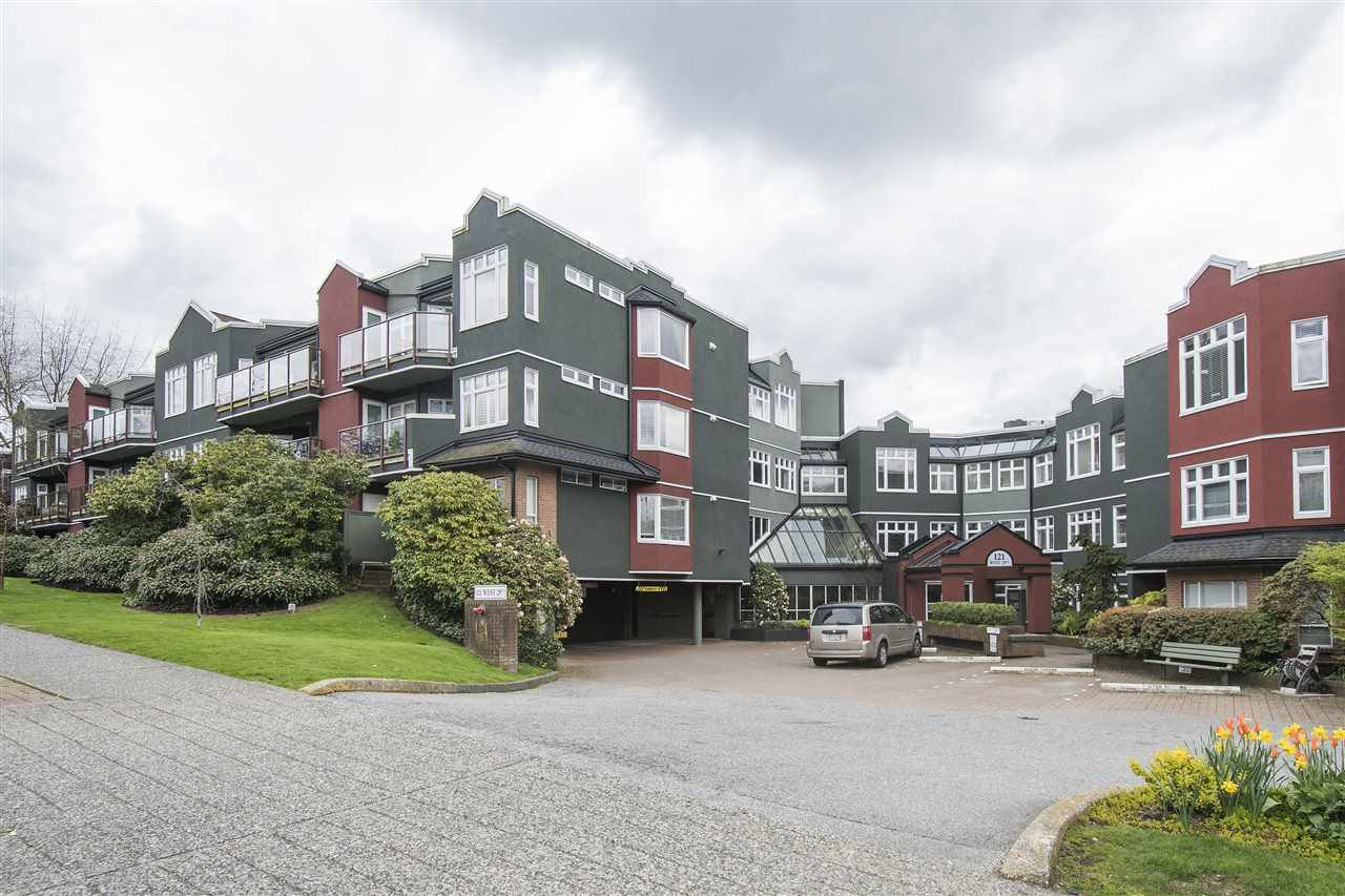 Main Photo: 401 121 W 29TH Street in North Vancouver: Upper Lonsdale Condo for sale : MLS®# R2195769