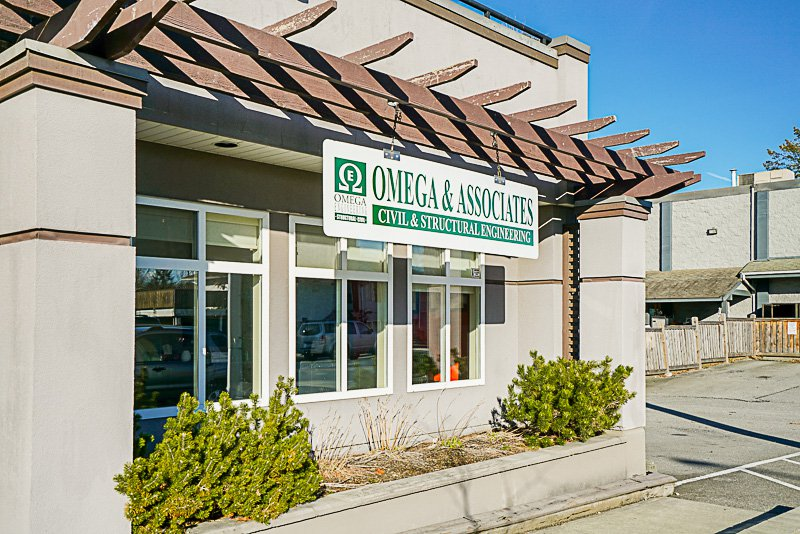 Main Photo: 101 22355 48 Avenue in Langley: Murrayville Office for sale : MLS®# C8010811