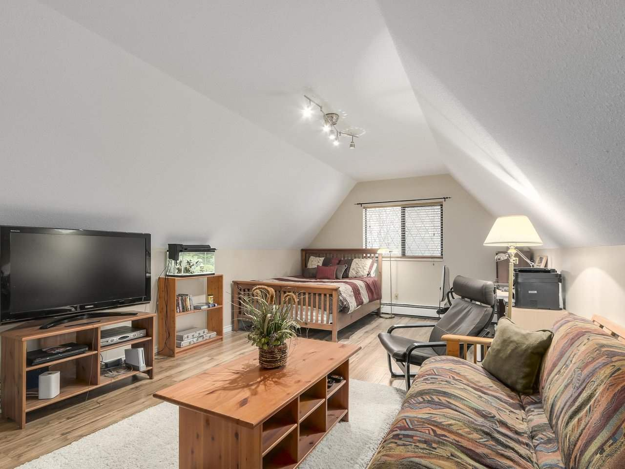 Photo 16: Photos: 887 KELVIN Street in Coquitlam: Harbour Chines House for sale : MLS®# R2240068