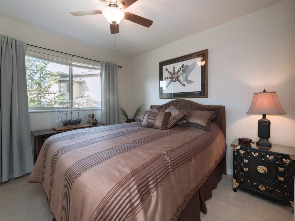 "Photo 15: Photos: 23 16655 64 Avenue in Surrey: Cloverdale BC Townhouse for sale in ""Ridgewood Estates"" (Cloverdale)  : MLS®# R2240875"