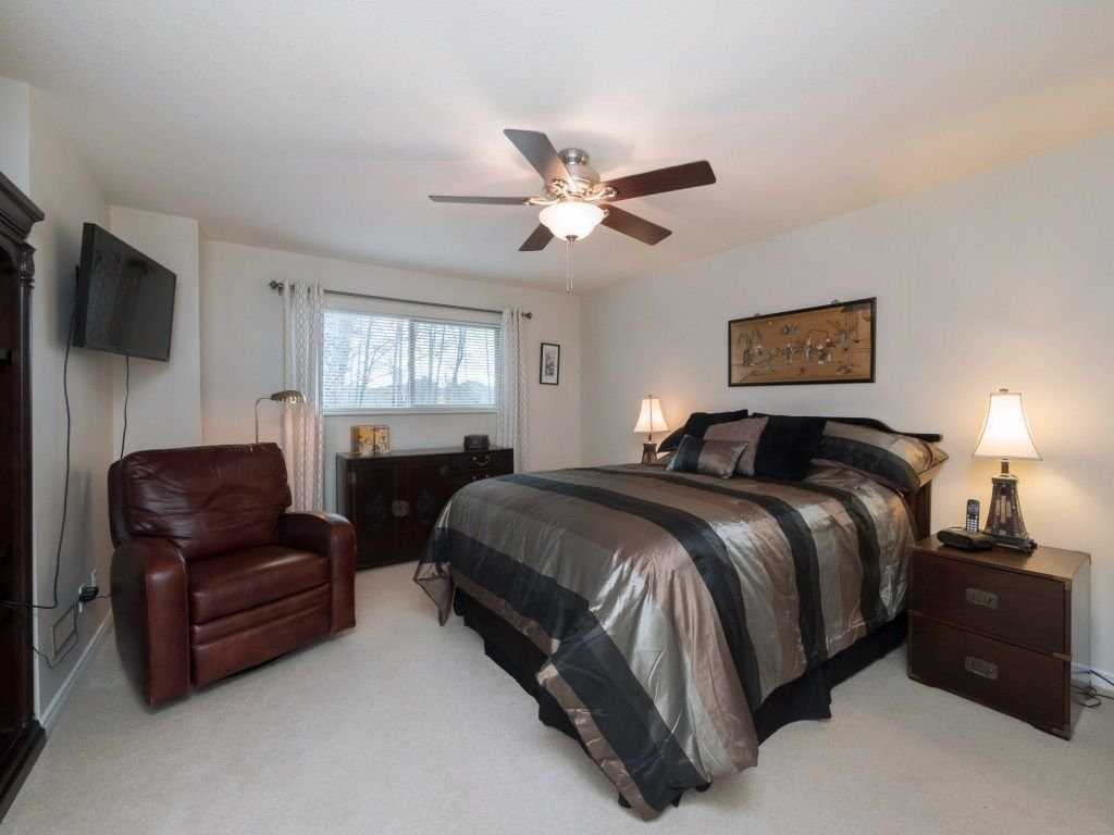 "Photo 12: Photos: 23 16655 64 Avenue in Surrey: Cloverdale BC Townhouse for sale in ""Ridgewood Estates"" (Cloverdale)  : MLS®# R2240875"