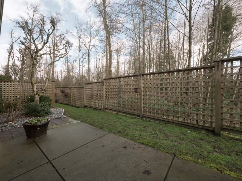 "Photo 2: Photos: 23 16655 64 Avenue in Surrey: Cloverdale BC Townhouse for sale in ""Ridgewood Estates"" (Cloverdale)  : MLS®# R2240875"