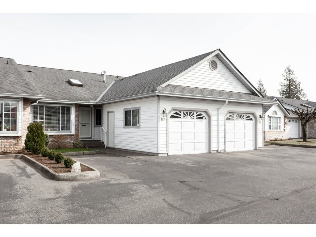 """Main Photo: 52 33922 KING Road in Abbotsford: Poplar Townhouse for sale in """"Kingsview Estates"""" : MLS®# R2347892"""