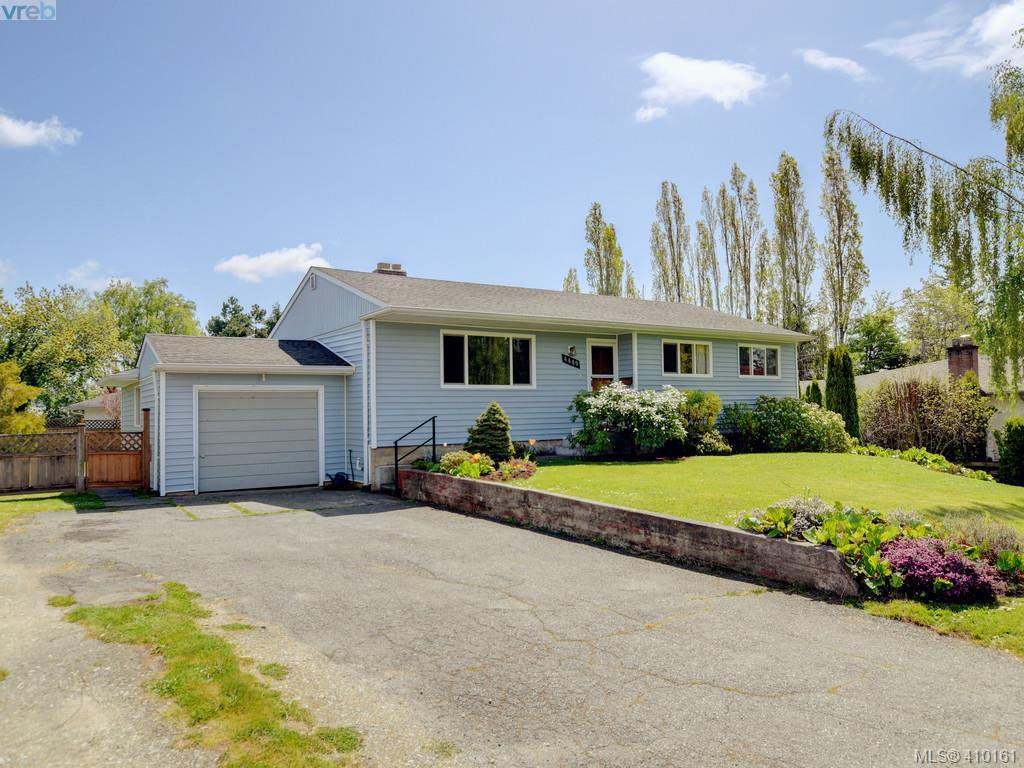 Main Photo: 4449 Casa Linda Dr in VICTORIA: SW Royal Oak Single Family Detached for sale (Saanich West)  : MLS®# 813040
