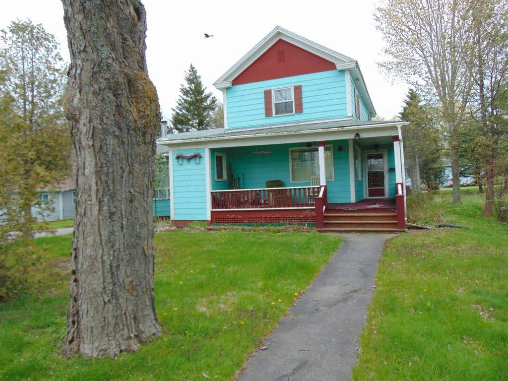 Main Photo: 241 Main Street in Berwick: 404-Kings County Residential for sale (Annapolis Valley)  : MLS®# 201912933