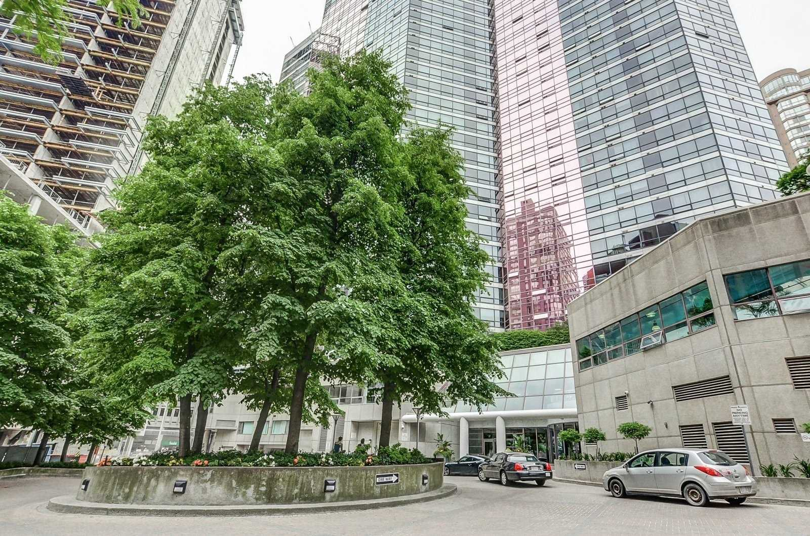 Main Photo: 3009 1001 Bay Street in Toronto: Bay Street Corridor Condo for lease (Toronto C01)  : MLS®# C4499138