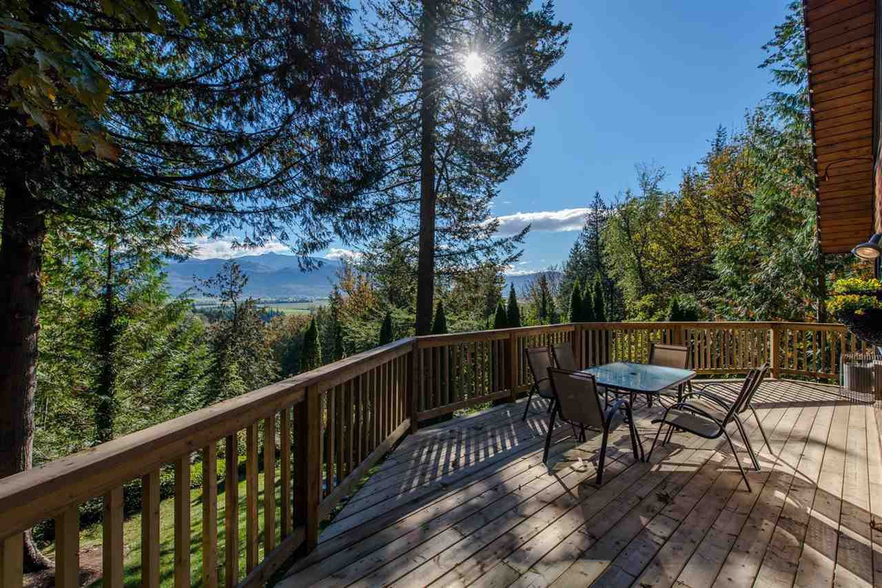 Main Photo: 3327 ATKINSON Lane in Abbotsford: Sumas Mountain House for sale : MLS®# R2384551