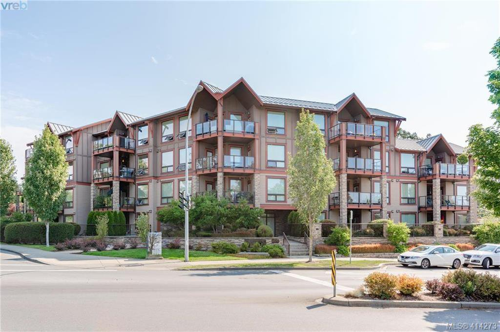 Main Photo: 312 4529 West Saanich Rd in VICTORIA: SW Royal Oak Condo Apartment for sale (Saanich West)  : MLS®# 821705
