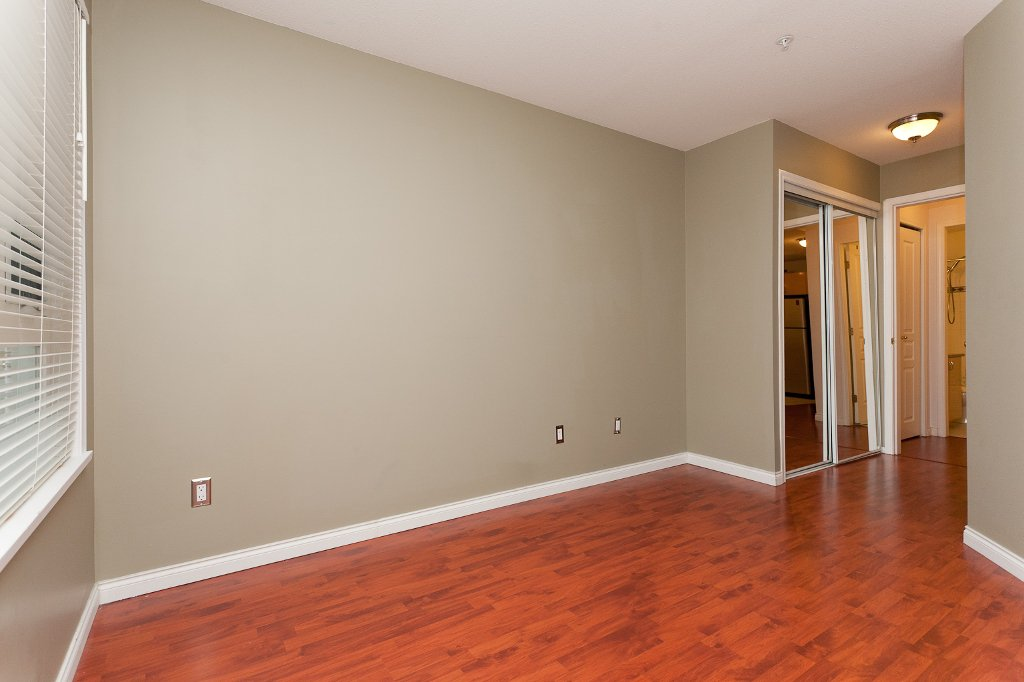 "Photo 8: Photos: 209 4989 DUCHESS Street in Vancouver: Collingwood VE Condo for sale in ""ROYAL TERRACE"" (Vancouver East)  : MLS®# V920881"