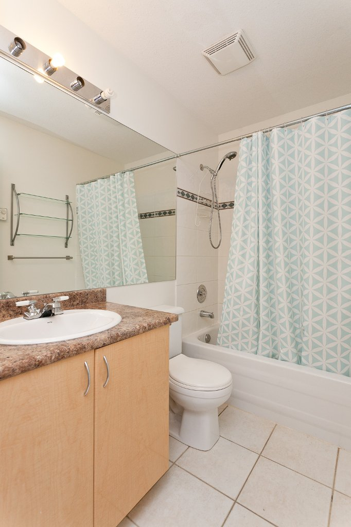 "Photo 9: Photos: 209 4989 DUCHESS Street in Vancouver: Collingwood VE Condo for sale in ""ROYAL TERRACE"" (Vancouver East)  : MLS®# V920881"