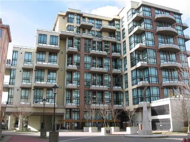 Main Photo: 308 10 RENAISSANCE Square in New Westminster: Quay Condo for sale : MLS®# V935135