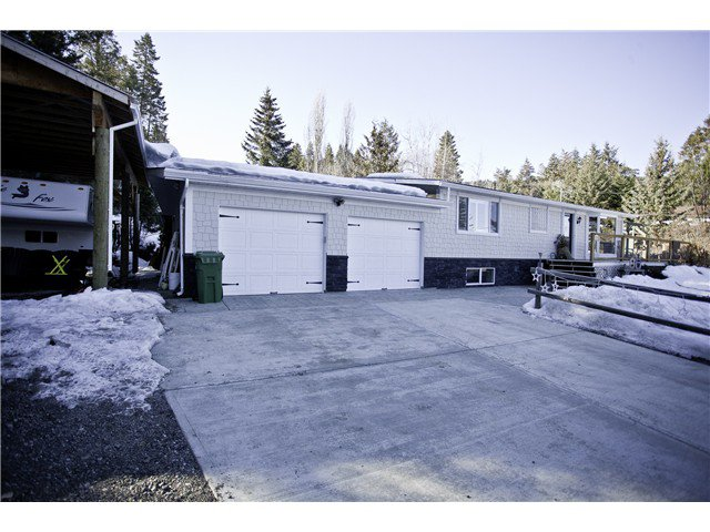 "Main Photo: 2137 KINGLET Road in Williams Lake: Lakeside Rural House for sale in ""SOUTH LAKESIDE"" (Williams Lake (Zone 27))  : MLS®# N234576"