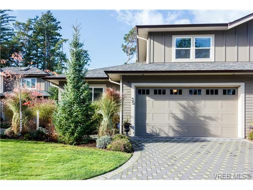 Main Photo: 35 551 Bezanton Way in VICTORIA: Co Latoria Row/Townhouse for sale (Colwood)  : MLS®# 686348