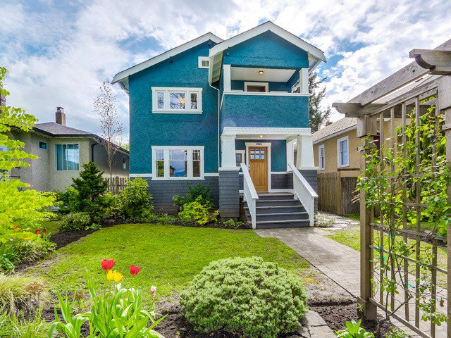 "Main Photo: 3486 W 10TH Avenue in Vancouver: Kitsilano House for sale in ""Kitsilano"" (Vancouver West)  : MLS®# V1120382"