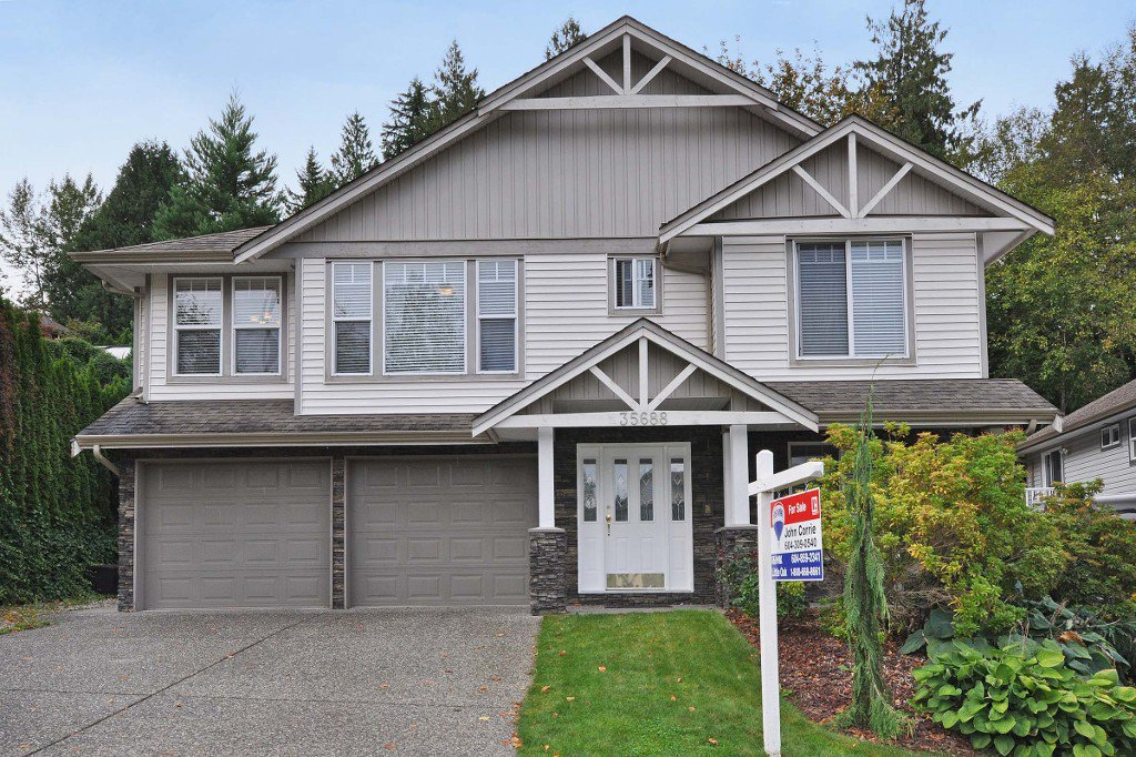 Main Photo: 35688 LEDGEVIEW Drive in Abbotsford: Abbotsford East House for sale : MLS®# R2001957