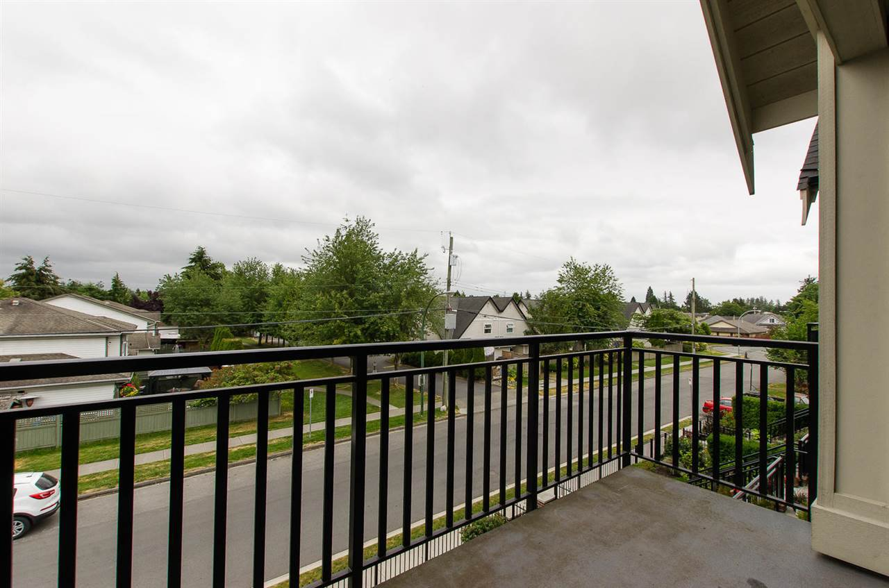 "Photo 6: Photos: 302 4689 52A Street in Delta: Delta Manor Condo for sale in ""CANU"" (Ladner)  : MLS®# R2073176"