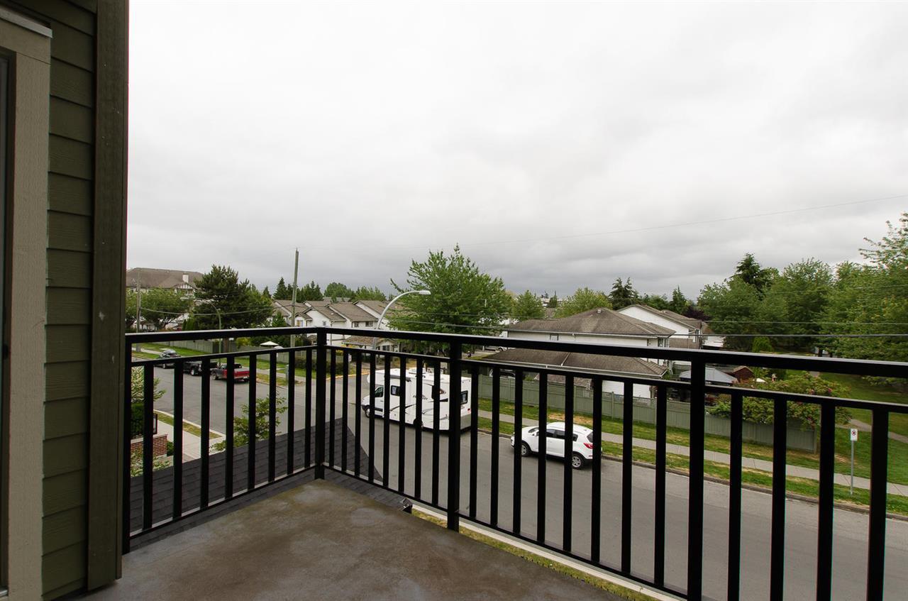 "Photo 7: Photos: 302 4689 52A Street in Delta: Delta Manor Condo for sale in ""CANU"" (Ladner)  : MLS®# R2073176"