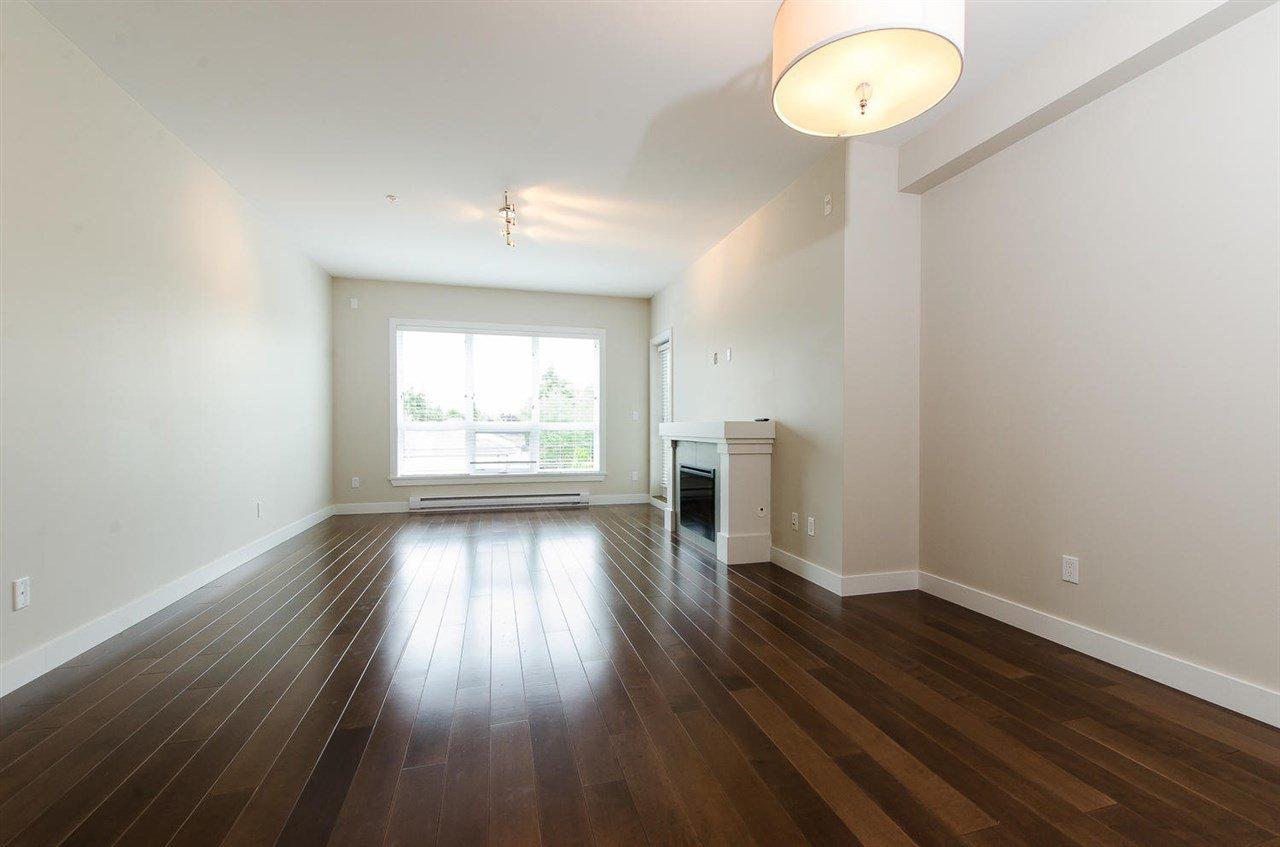 "Photo 4: Photos: 302 4689 52A Street in Delta: Delta Manor Condo for sale in ""CANU"" (Ladner)  : MLS®# R2073176"