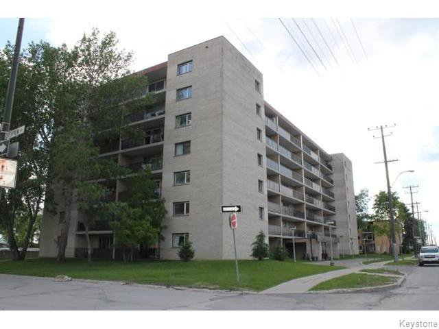 Main Photo: 1600 Taylor Avenue in Winnipeg: River Heights / Tuxedo / Linden Woods Condominium for sale (South Winnipeg)  : MLS®# 1614057