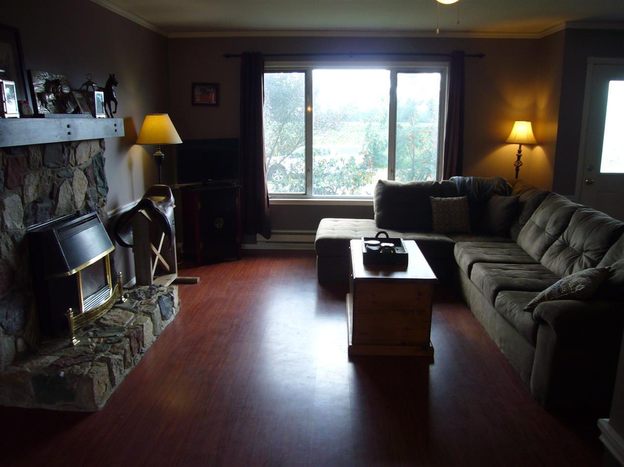 Photo 3: Photos: 6580 EVANS Road in Sardis: Sardis West Vedder Rd House for sale : MLS®# R2085581