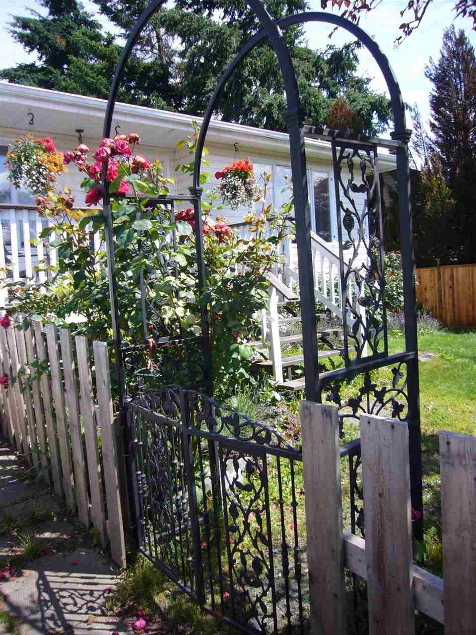 Photo 2: Photos: 6580 EVANS Road in Sardis: Sardis West Vedder Rd House for sale : MLS®# R2085581