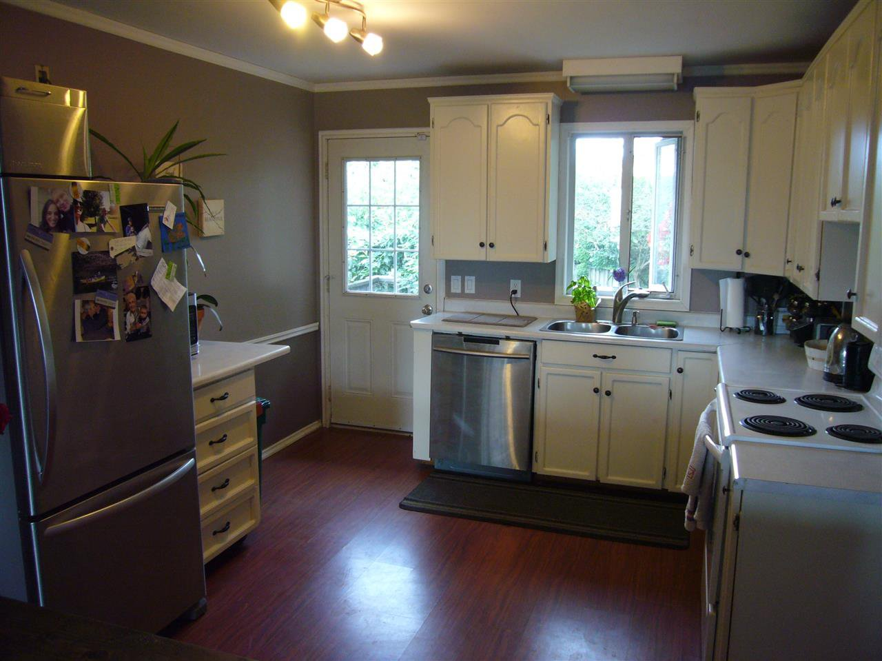 Photo 4: Photos: 6580 EVANS Road in Sardis: Sardis West Vedder Rd House for sale : MLS®# R2085581