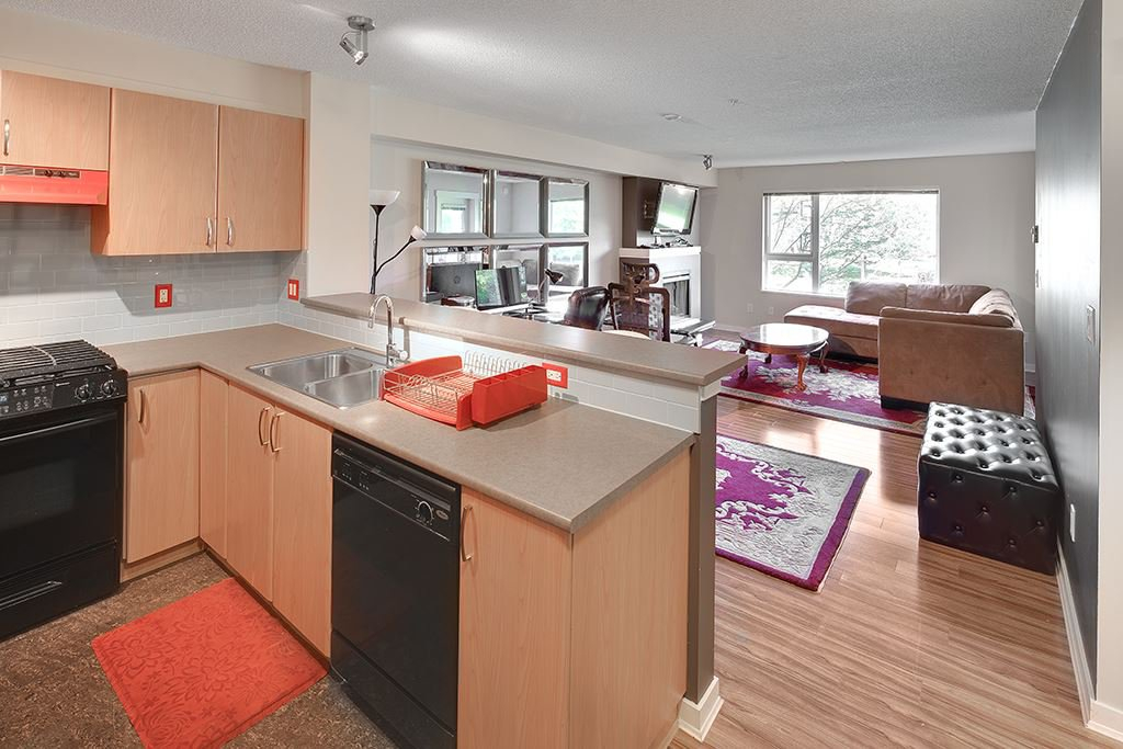 """Main Photo: 214 4723 DAWSON Street in Burnaby: Brentwood Park Condo for sale in """"Collage"""" (Burnaby North)  : MLS®# R2096689"""